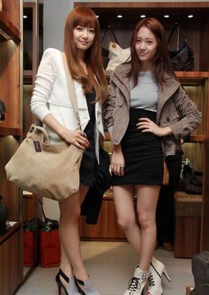 Victoria + Krystal